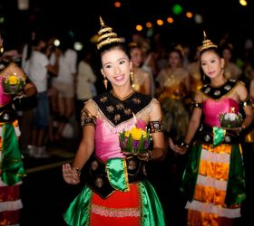 YI-PENG-AND-LOY-KRATHONG-c