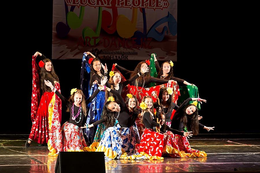 Танцевальный конкурс в астана